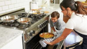Importance of baking with kids this Christmas